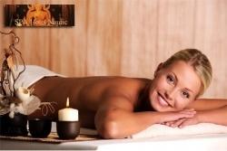 Masaje a seis manos con aceites calientes y 2 h de spa para una persona por 59 € o para dos por 109 €