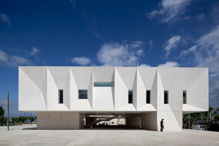 Gallery of Palacio de Justica de Gouveia / Barbosa & Guimaraes Architects - 1