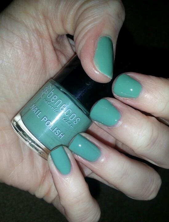 Expressive Mint polish by benecos