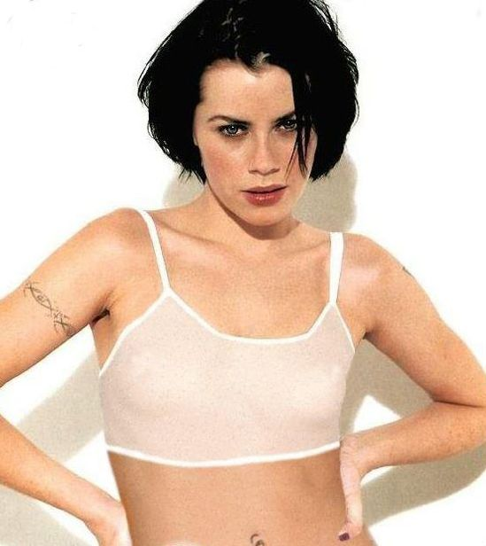 Fairuza balk hot was
