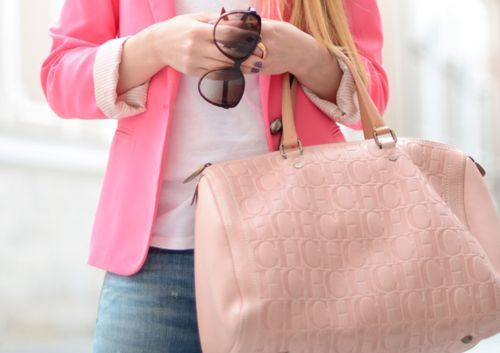 Love this Carolina Herrera bag¡