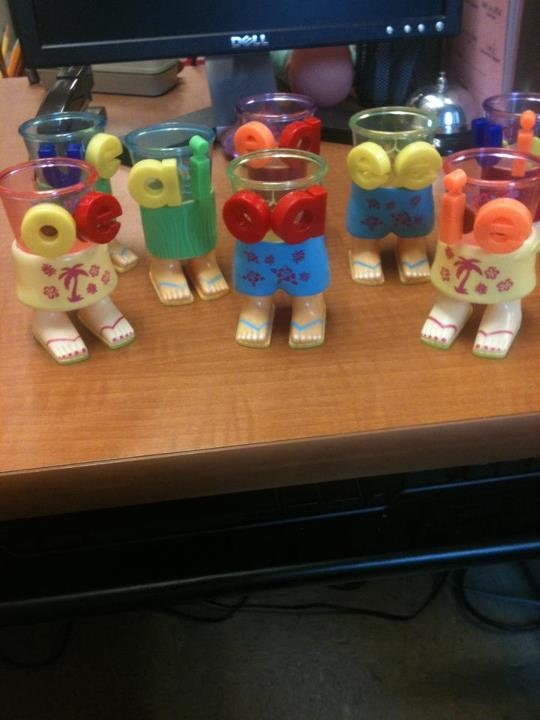 When two vowels go walkin' the first one does the talkin'! It says it's name! made out of some tiki party cups from Dollar TreeReading, Parties Cups, Believe Parties, English Languages Learners, Schools Ideas, Chalk Talk, Words Work, Word Work, Kindergarten Blogs
