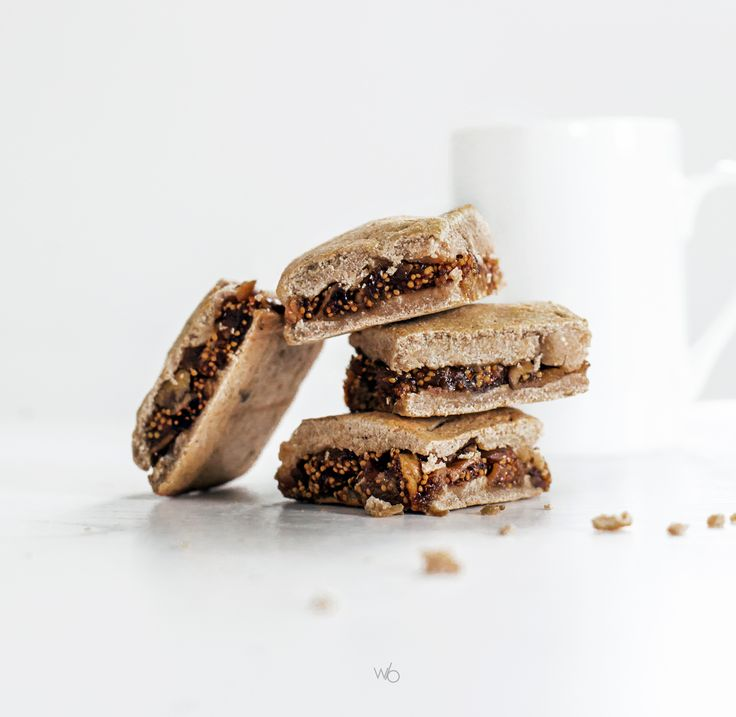 Healthy homemade fig newtons with coconut flour whole wheat flour (sugarfree, glutenfree) - Carrés gourmands fourrés à la figue.