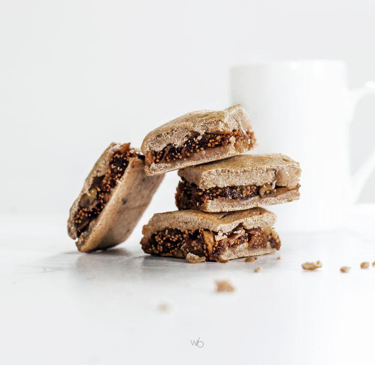 Healthy homemade fig newtons with coconut flour whole wheat flour (sugarfree, glutenfree) - Carrés gourmands fourrés à la figue.