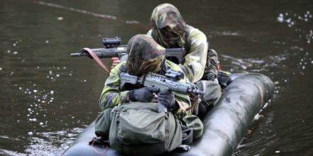 Fallskärmsjägare på kraftprov - Försvarsmakten
