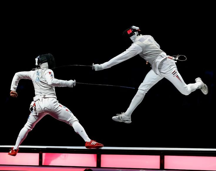 Abouelkassem (EGY) v Choi (KOR)-Semi-Men's Foil-London 2012    ©2012 Serge Timacheff/FIE/FencingPhotos.com