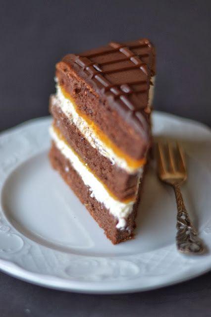 Sárgabarackos túrórudi torta
