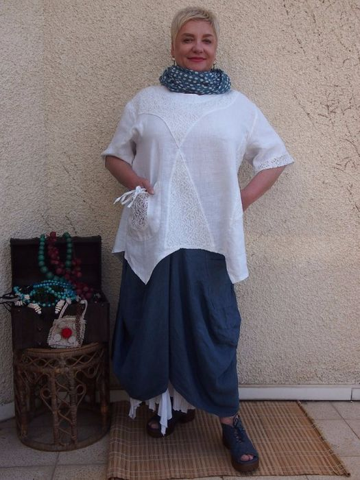 DARK BLUE SKIRT WITH WHITE TUNIC, PRINT SCARF