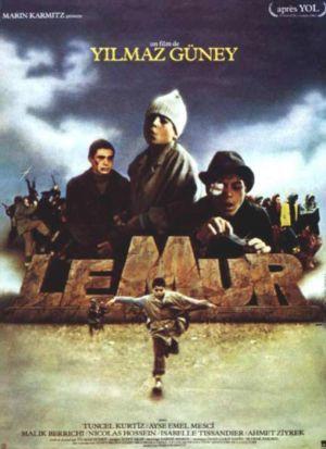 Duvar 2 - Duvar (film) - VikipediDuvar, yönetimi ve senaryosu Yılmaz Güney'e ait 1983 yapımı uzun metrajlı Türkiye sinema filmi. Yılmaz Güney'in, Cannes'da büyük ödülü alan Yol'dan sonraki ilk, yaşamındaki ise son filmidir.