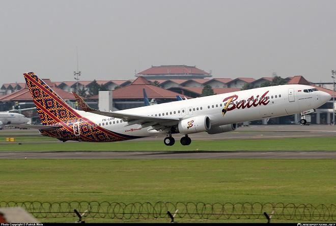 Covesia.com - Pesawat batik Air tujuan Ambon - Jakarta diancam teror bom pagi ini, Jumat (16/04/2015).Pesawat Batik Air Diancam DibomPelaku mengancam dengan...