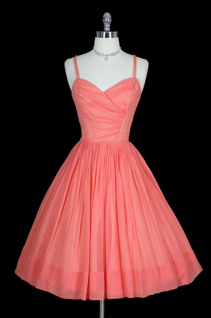 1950's dress, so beautiful, love the colour