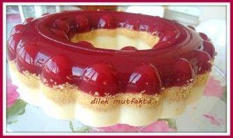 Vişneli Bisküvili Prenses Tacı Pastası