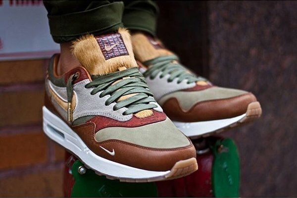 Nike Air Max 1 'Mini-Swoosh' en 30 images