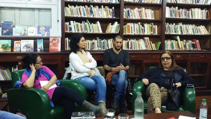 #PrimaveradeLecturas Martes 01/11: Géneros renovados en la literatura argentina Con: Laura Ponce (fantástico), Roberto Montaña (humor), y Nicolás Correa (terror)