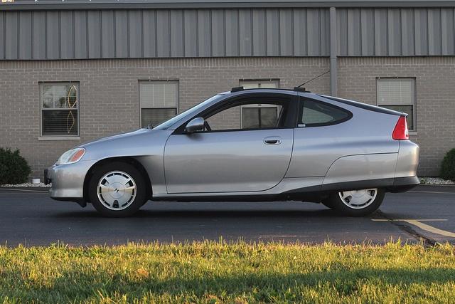 Honda Insight Side Profile Silver Manual First Generation 5 Speed Thule Roof Rail Honda Insight Honda Honda Dealership