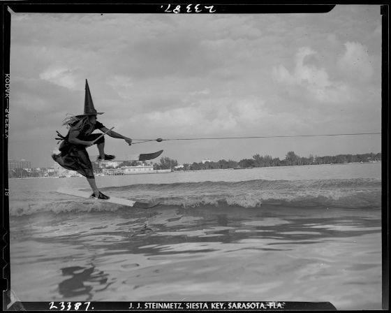 Joseph Janney Steinmetz, Untitled (man waterskiing while dressed as a witch), 1947, Harvard Art Museums/Fogg Museum.