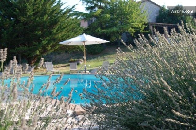 Agriturismo Umbria pool  Montone