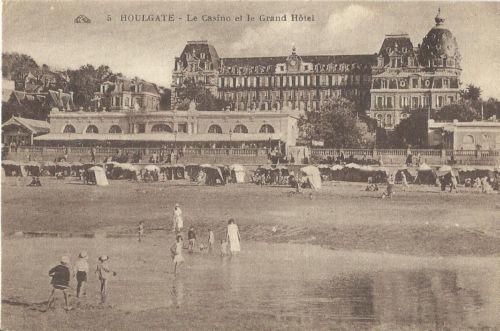 Houlgate LE Casino et le Grand Hôtel  http://www.normandythenandnow.com/houlgate/