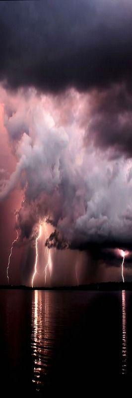 Lightning over Cundiff