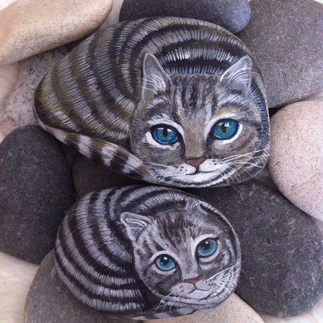 #tekir #kediler #anne #yavru #mavi #hediye #ev #dekorasyon #balkon #elyapımı #doğal #taşlar #yaz #akrilik #boya #summer #gifts #mom #cat #kitty #decoration #izmir #handmade #painted #natural #stones