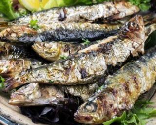 Sardines à la plancha : http://www.fourchette-et-bikini.fr/recettes/recettes-minceur/sardines-a-la-plancha.html