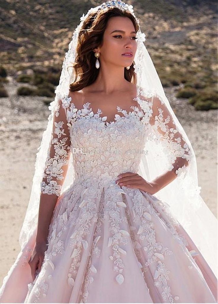 2018 Royal Ball Gown Wedding Dresses Sheer Neck 3/4 Long Sleeves Appliques Tulle Satin Saudi Arabic Wedding Gowns Castle Church Bridal Dress