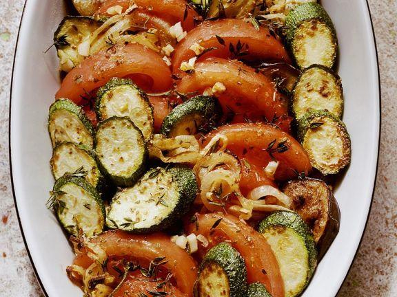 Gebackener Reis mit Gemüse ist ein Rezept mit frischen Zutaten aus der Kategorie Eintöpfe. Probieren Sie dieses und weitere Rezepte von EAT SMARTER!