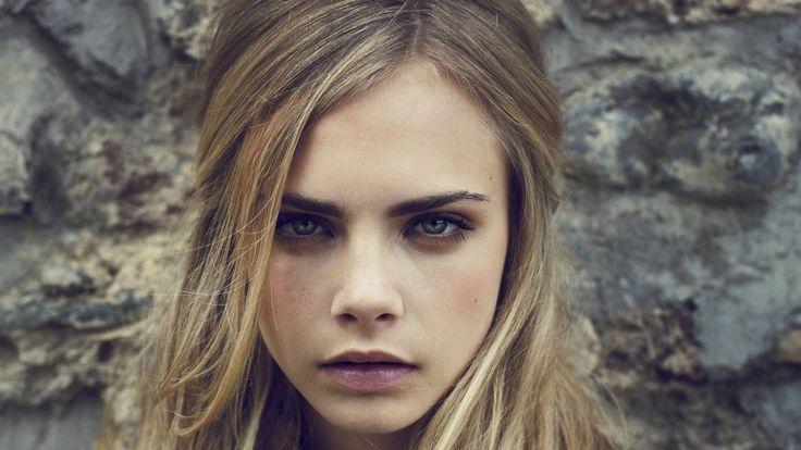 Eğer hafif bronz ve ışıltılı bir teniniz varsa sıcak bronde tonlarına, pembe / beyaz ya da çok açık tenliyseniz nötral bronde'lara yönelmelisiniz demektir.  Bronde hangi saç tip saç kesimleriyle uyum sağlar?  Hemen hemen her boy ve her tip saçta harika duran bu renk, kısa ve katlı saçlarda biraz daha modern görünürken; uzun ve düz / hafif dalgalı saçlarda son derece akıcı ve romantik bir hava yaratır.. ♥♥♥