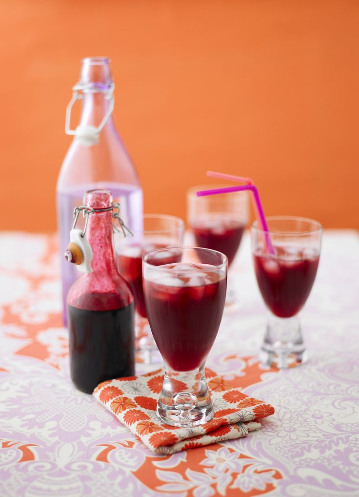Blackcurrant and lemongrass cordial - Rather than overpowering the fruit, lemongrass adds a subtle citrus note to this intense drink. Serve the cordial diluted over plenty of ice or use to make a summery blackcurrant mojito cocktail.