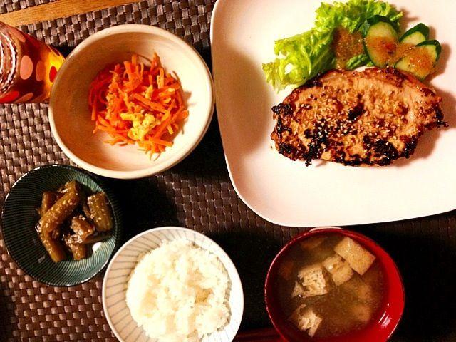 タニタ1⃣P50豚肉の南部焼き、人参シリシリ、ふききんぴら、白滝入りご飯、ふき味噌汁。裏庭から採ったフキを使って - 44件のもぐもぐ - 夕食☆豚肉の南部焼き定食 by momozail
