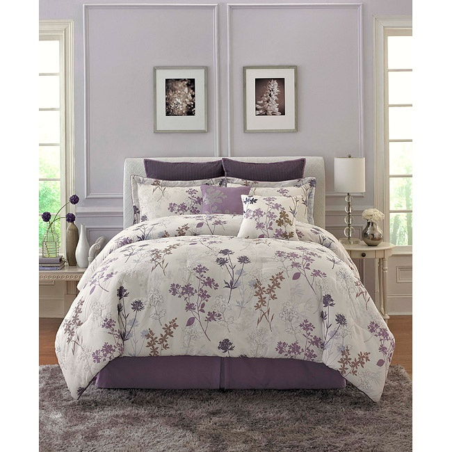 Lavender bedroom...i like this shade