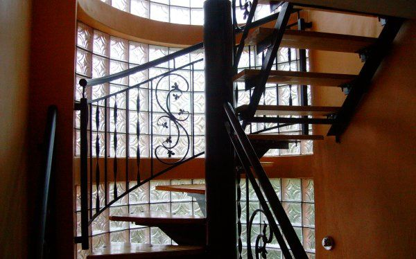 Renovating stairs ideas from #PracticaHouse