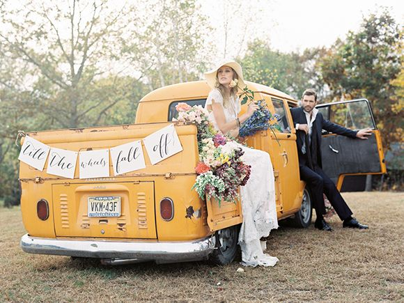 Autumn wedding inspiration with a 70s feel