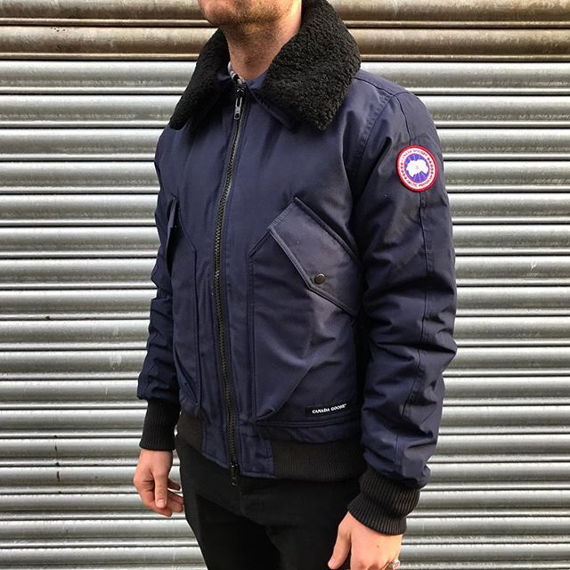 Canada Goose Coat Price - Youth Canada Goose Bomber,Top Quality Down Coats and Vest For Womens & Mens & Youth Sale,The Latest Style You Need, wholesale