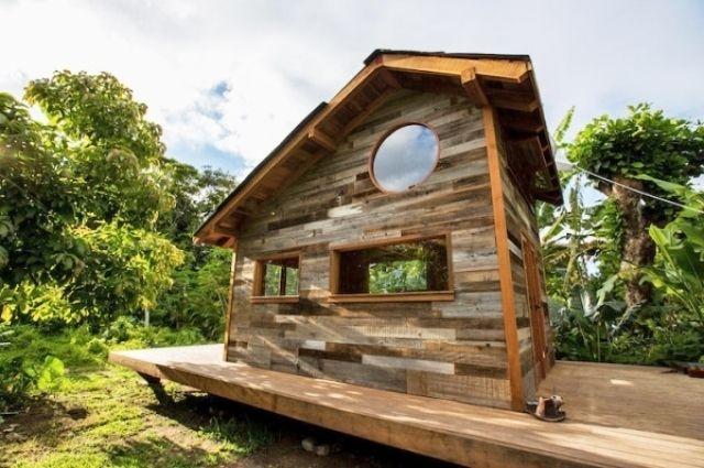 Дом на Гаваях из дерева,собранного на острове  https://www.facebook.com/DecoRoom.Furniture/posts/712785842103646