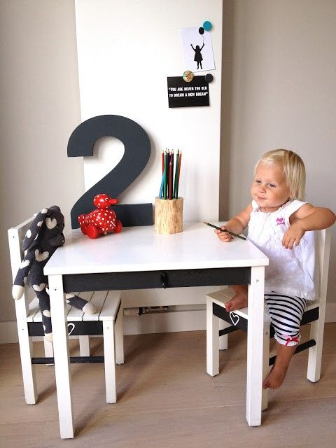 mommo design: KIDS ART CORNER
