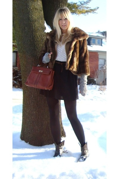 Short Brown Boots Outfit Ideas