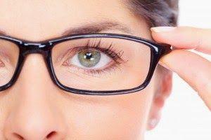Mitos-mitos yang menyesatkan tentang mata kita.