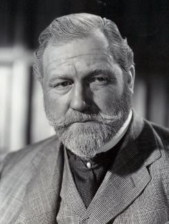 James Robertson Justice, popular character actor of the 1940s-60s, reportedly fluent in 20 languages. Had an impressive baritone.