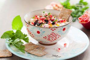 ***Recetas con Semillas de Granada*** Dale un giro refrescante y delicioso a tu cocina. Prepara estas recetas de semillas de granada dulces y saladas...SIGUE LEYENDO EN... http://comohacerpara.com/recetas-con-semillas-de-granada_10947c.html