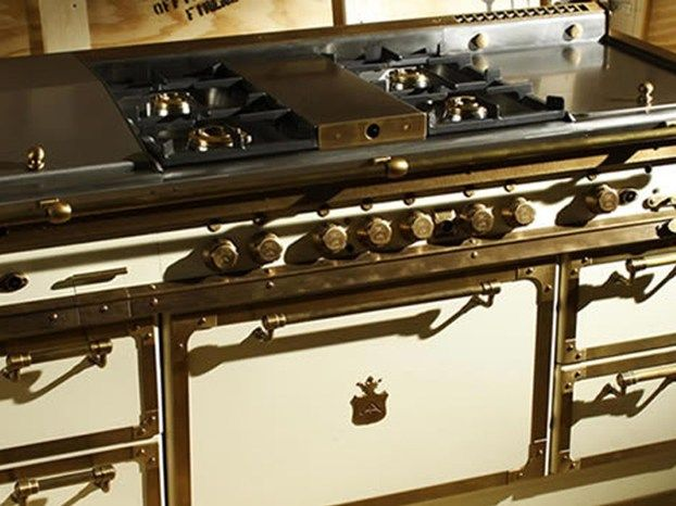 Il Gruppo Restart ha presentato le macchine di cottura Officine Gullo a Host 2011. http://www.leonardo.tv/cucina/arredamento-cucina-restart-officine-gullo