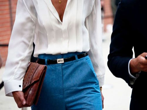 So chic.: Beautiful Blouse, Style Inspiration, Street Style, Pleated Blouses, White Shirts, Classic White, Blue High Waist Pants, Interview Outfits, Bright Colors