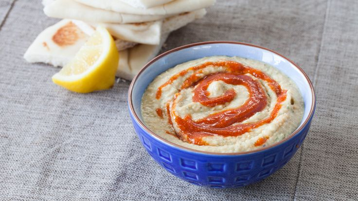 Delicious Sriracha Spicy Hummus