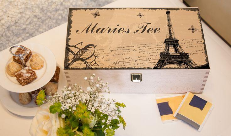 Stilvolle Teebox zur Aufbewahrung deines Lieblinstees. Damit auch jeder weiß, wem der Tee gehört, einfach mit deinem Namen und Motiv gestalten.