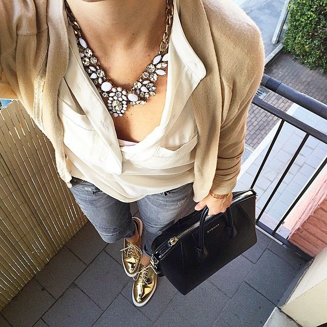 Snow White Statement Necklace #fashion #style #outfit #lookoftheday #statementnecklace - 24,90 € @happinessboutique.com