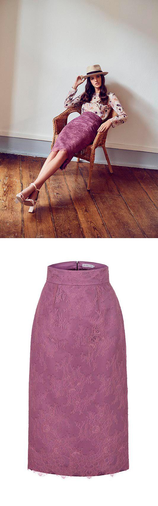Falda tubo midi de encaje con cremallera invisible en centro espalda de Melena de León.