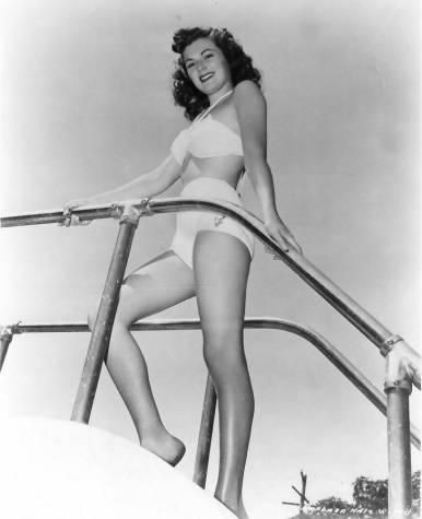 Barbara Hale ( Della Street, Perry Masons secretary)