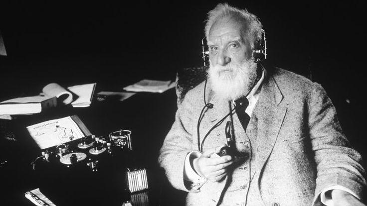Todo el mundo conoce a Alexander Graham Bell como la persona que se apropió de la invención del teléfono, pero el fundador de Bell fue más que un empresario de éxito. Era una mente brillante e inquieta, como demuestran sus predicciones sobre calentamiento global, crisis energética, paneles solares y biocombustibles. Todo el mundo conoce a Alexander Graham Bell como la persona que se apropió de la invención del teléfono, pero el fundador de Bell fue más que un empresario de éxito. Era una…