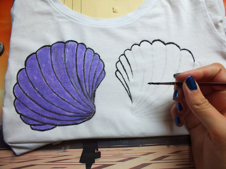 How to paint a t-shirt. Little Mermaid Crop Top - Step 2