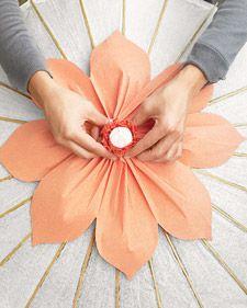 20 flower tutorials here. diy crafts